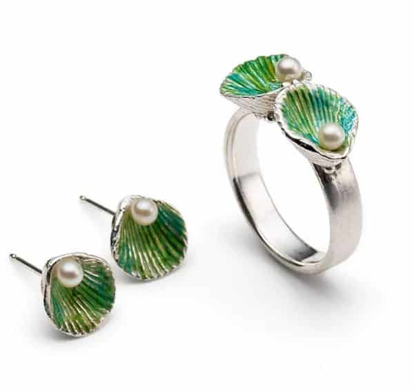 Ring and earrings with colour