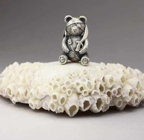 Hollow teddy bear workshop with Anna Mazon